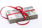 Jak nie zapłacić podatku od darowizny w rodzinie