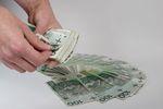 Pieniądze dla dzieci od rodziców poza podatkiem od darowizny?