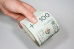 Podatek od darowizny: zwolnienie gdy przelew od darczyńcy