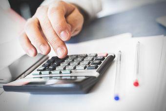Usługi pośrednictwa w sprzedaży niekiedy bez podatku u źródła