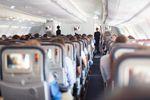Jak przetrwać długi lot samolotem?