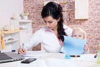 Dzień matki, czyli praca zdalna, opieka na dzieckiem i stres