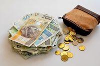 Ile wynosi średnia krajowa w lutym 2021?