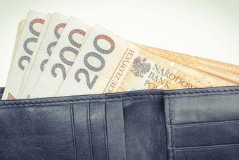 Średnia krajowa wzrosła w marcu 2021 o 8% r/r