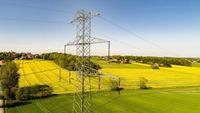 Udostępnienie gruntu pod linię elektryczną bez podatku dochodowego?