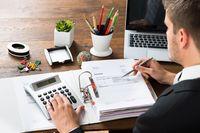 Stawka i faktura VAT przy świadczeniach kompelskowych