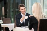 Rozmowa kwalifikacyjna: etykieta przy stole