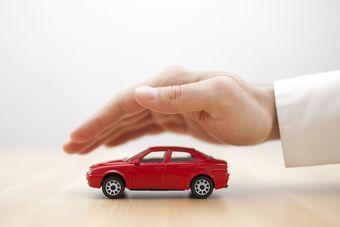 Ubezpieczenie samochodu osobowego w kosztach podatkowych [© Jakub Krechowicz - Fotolia.com]