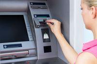 Wypłata z bankomatu to historia? Wypłacamy najmniej od 14 lat