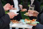 TSUE: stawka VAT na usługę gastronomiczną a sprzedaż żywności