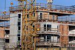 Rozbudowa i przebudowa budynku z 8% VAT ale zagospodarowanie terenu nie