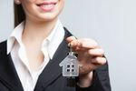 Jak darować mieszkanie w rodzinie bez podatku?