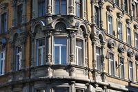 Jak ustalić wartość początkową mieszkania nabytego w drodze umowy zamiany?