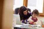 Praca na urlopie wychowawczym a składki ZUS