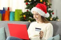 Kobiety częściej wybierają zakupy świąteczne w Internecie