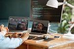 Programiści zarabiają coraz więcej. Także na starcie