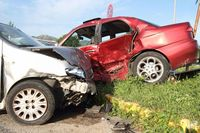 Kolizja czy wypadek drogowy? Jakie różnice i jak się zachować?