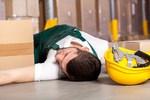 Wypadek przy pracy: kiedy i komu przysługują świadczenia oraz odszkodowanie z ZUS