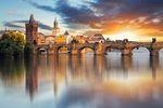 Gdzie na wakacje jesienią? Polacy do Pragi, obcokrajowcy do Krakowa