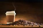 Nowy trend: picie kawy ze spożywczego