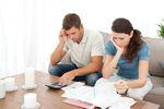 Rachunki domowe w czasie pandemii: mniej dłużników, większy dług