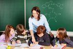 Zarobki nauczycieli wyższe w budżetówce