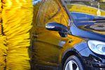 Myjnia i opony letnie. Tak przygotowujemy samochód do wiosny