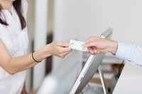 Płatność kartą może wpłynąć na termin zwrotu VAT